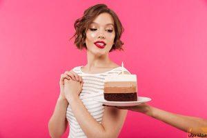 تفسير حلم أكل الحلويات للعزباء والمتزوجة